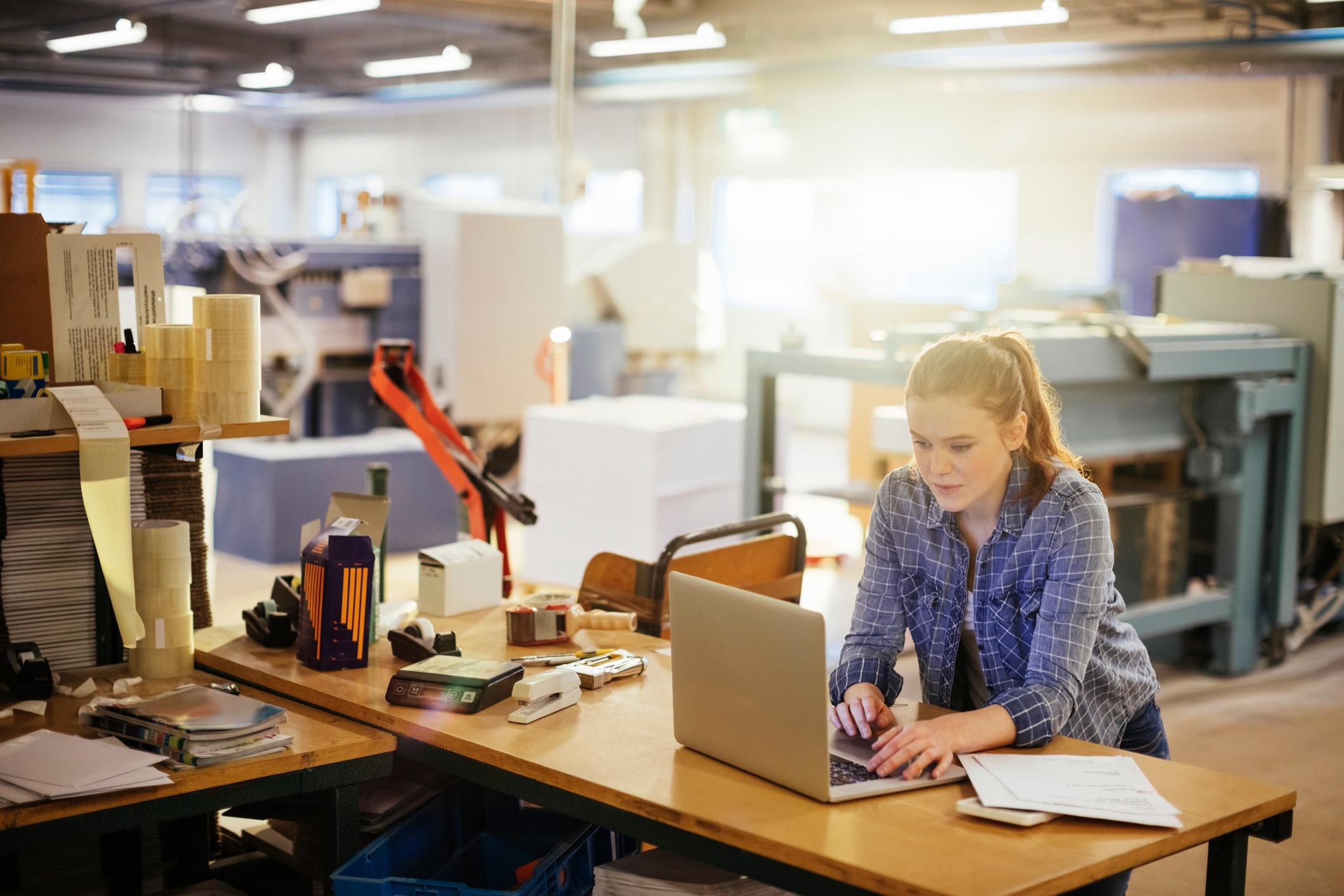 contentmarketingformanufacturers-517927804.jpg