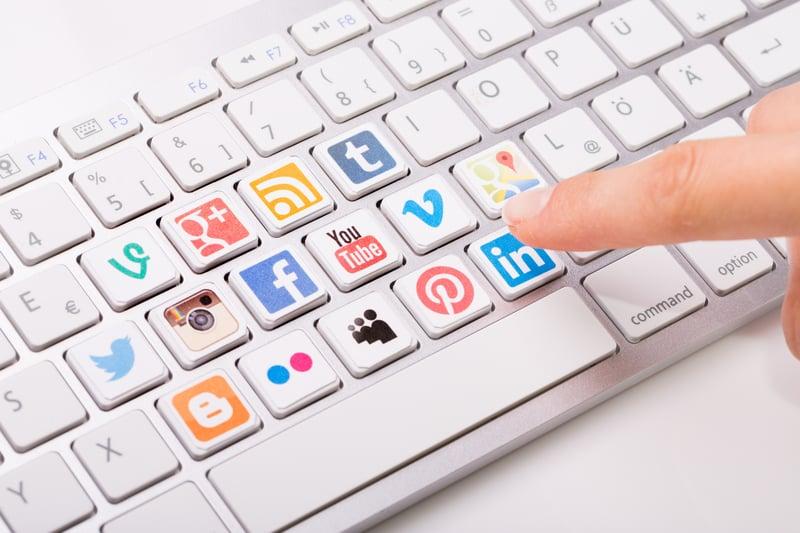 social media monitoring-477420092